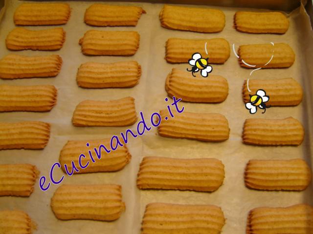 Ben noto Biscotti da colazione, leggeri - eCucinando.it RZ09