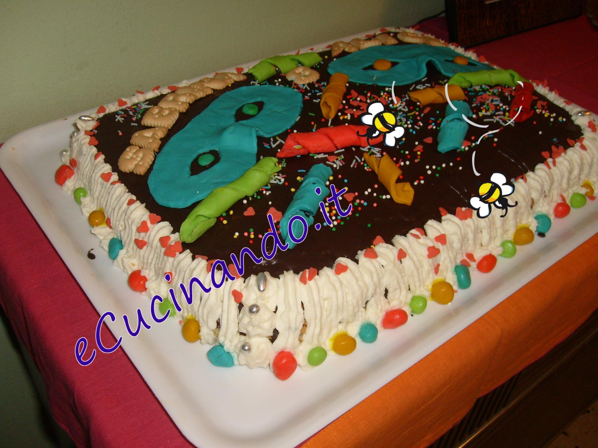 Torta compleanno per carnevale - Decorazioni per torte di carnevale ...
