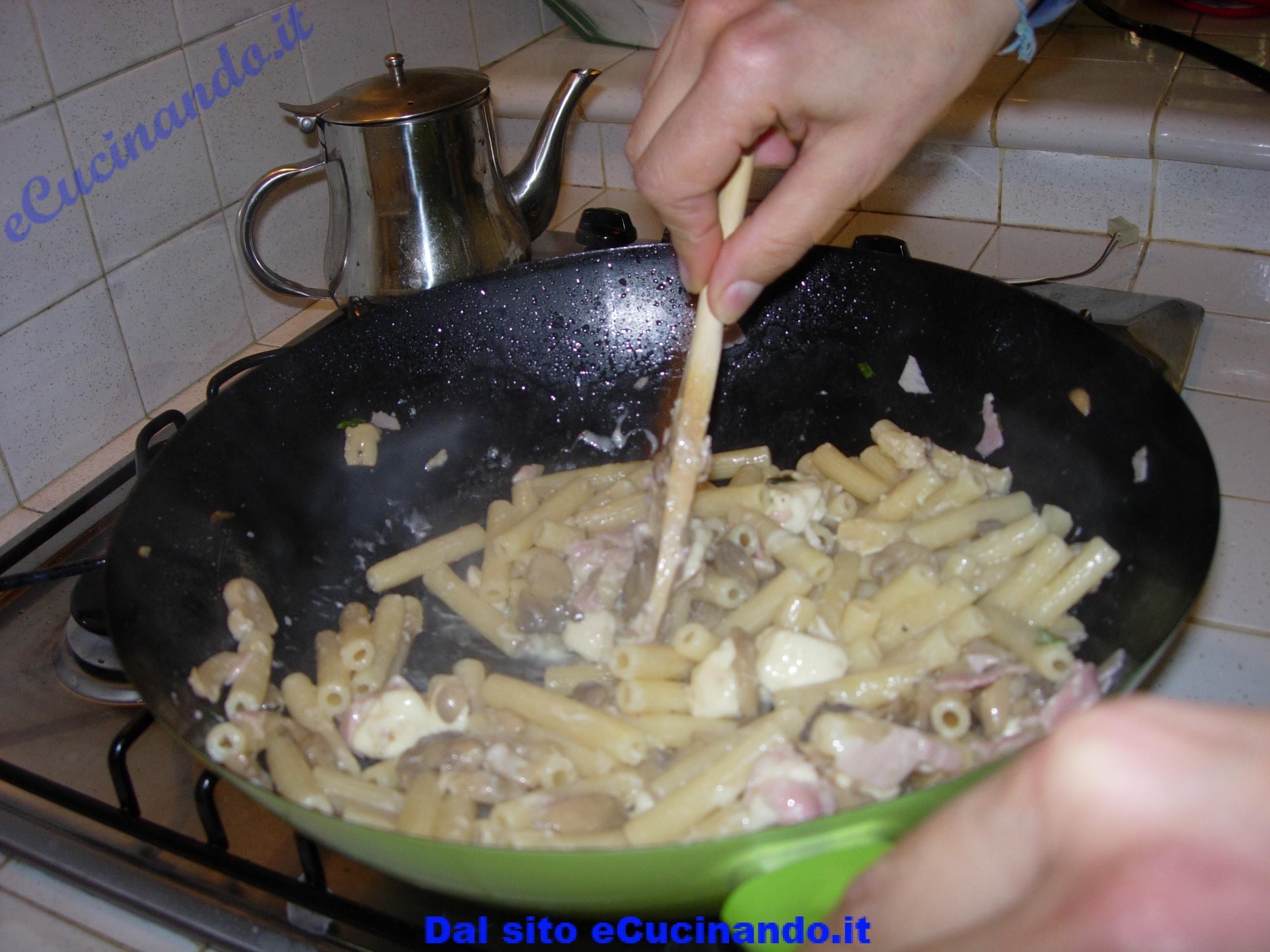Pasta-con-funghi