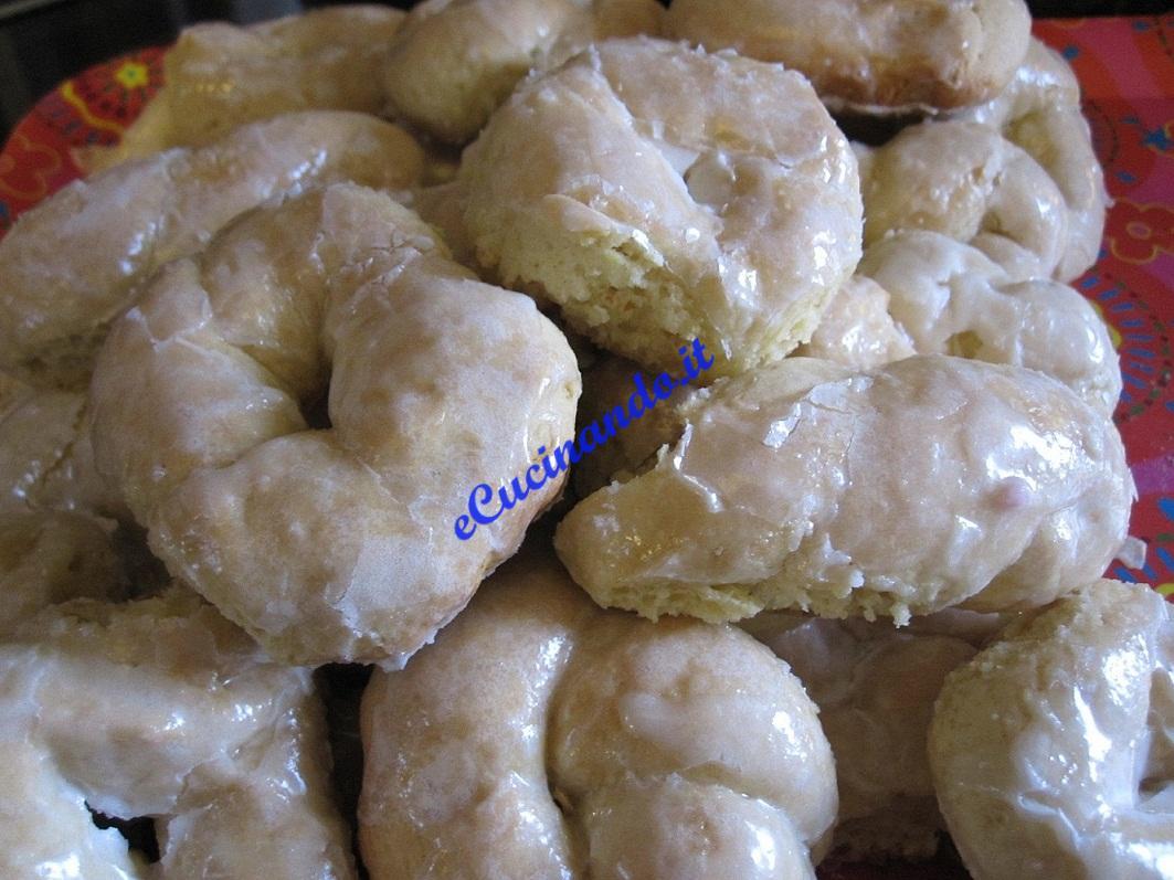 Taralli siciliani discutiamo le nostre for Ricette dolci siciliani