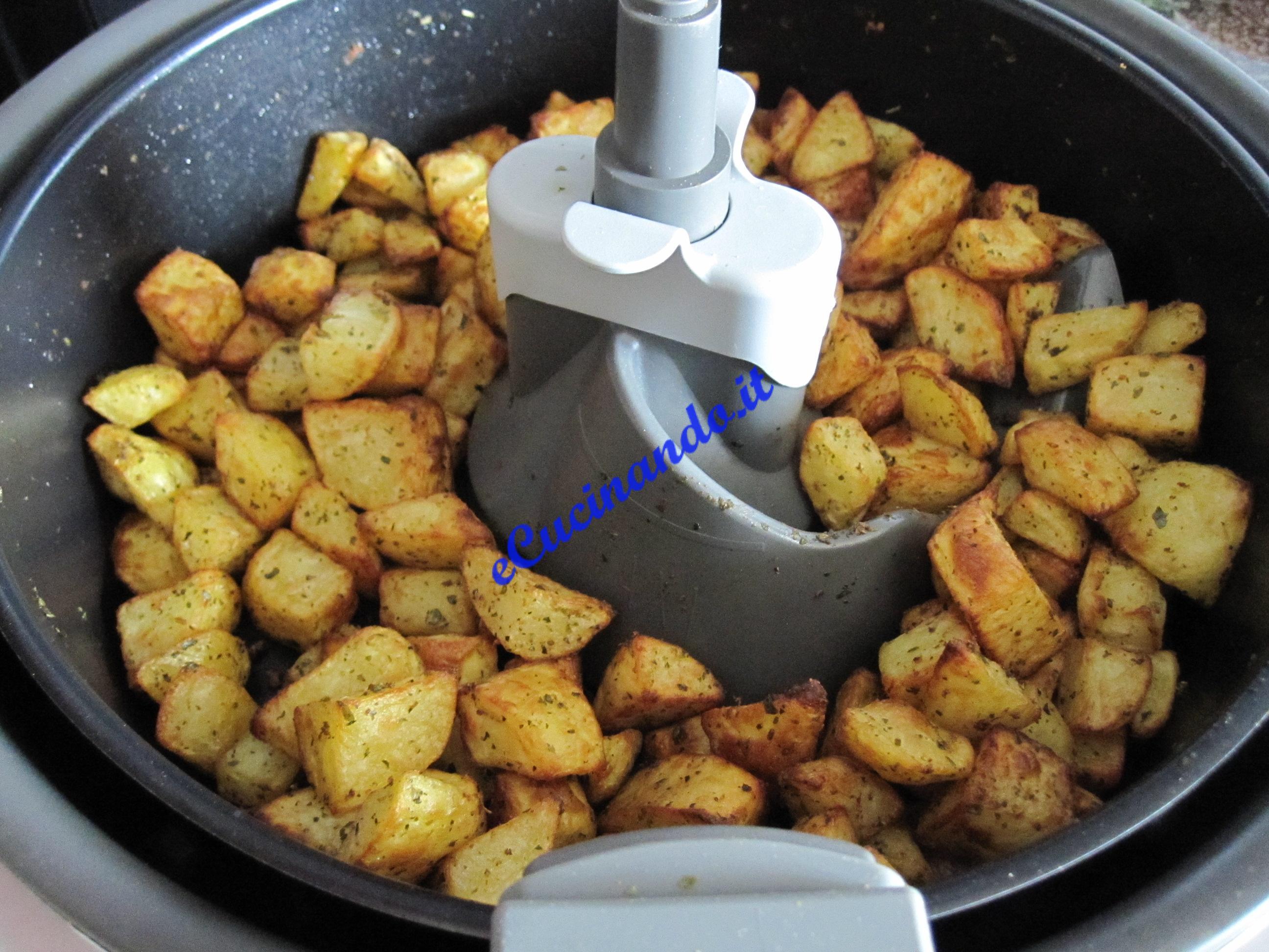 Friggitrice actifry per fritti non unti for Attrezzi per la cucina