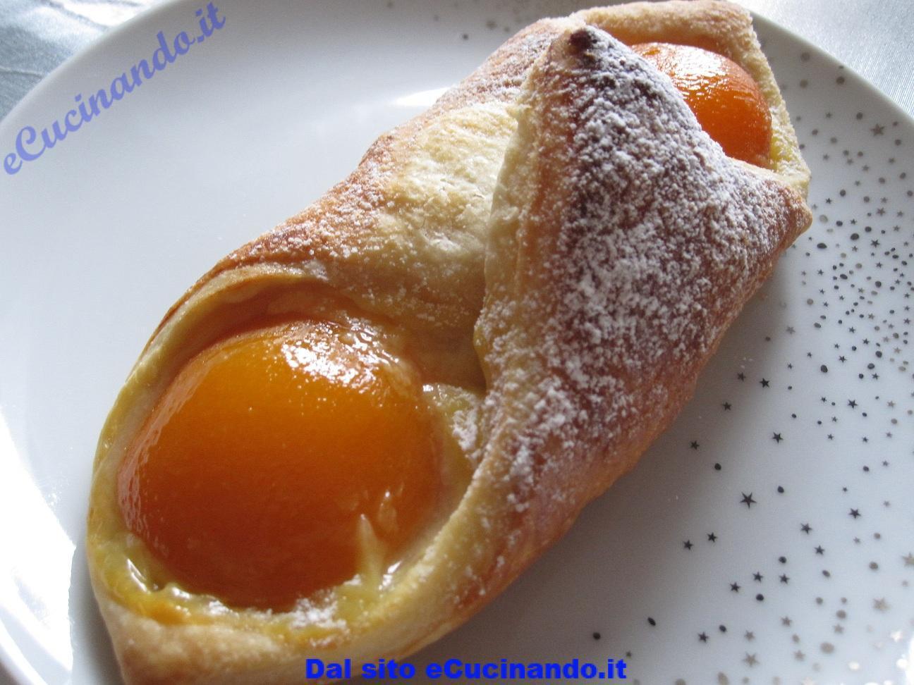 Croissant-aux-abricots