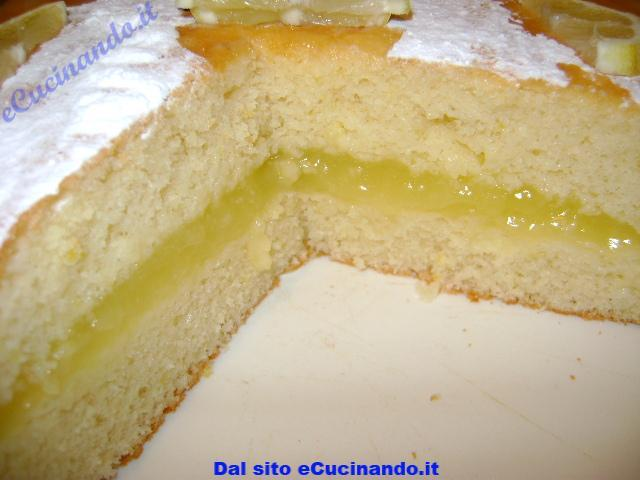 Torta-al-limone-farcita-con-crema-all-acqua