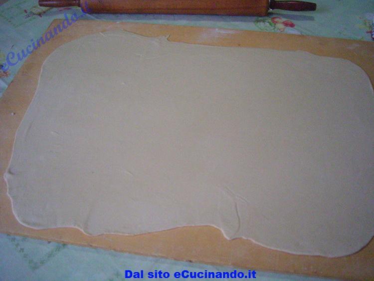 Pasta-sfoglia-all-olio-pettole