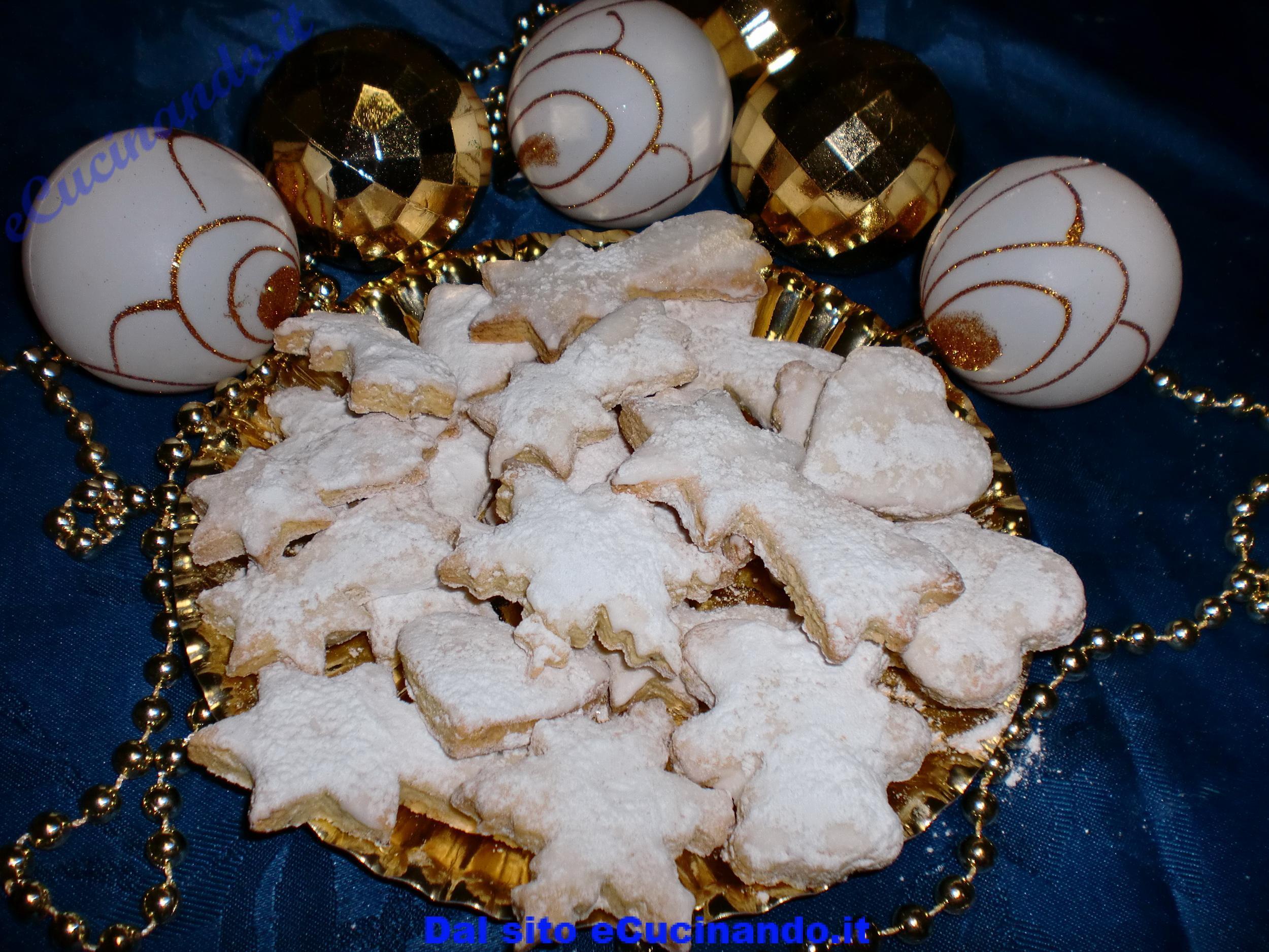 Biscotti-alle-nocciole-natalizi
