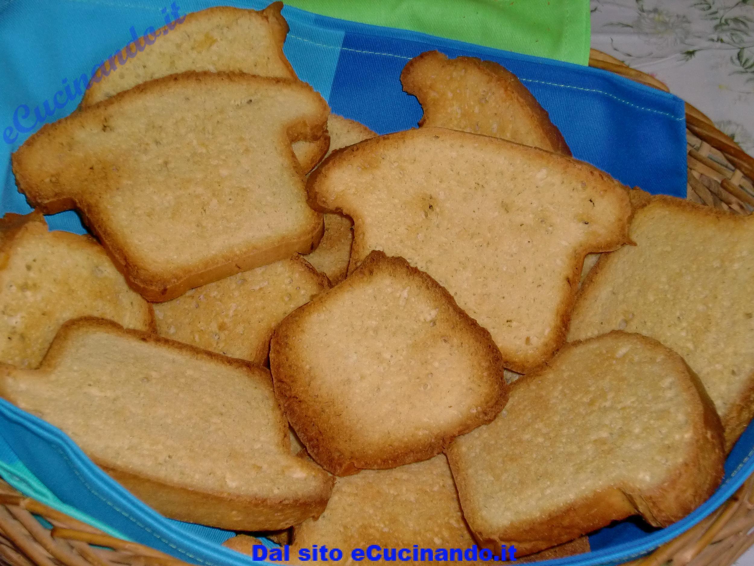 Fette-biscottate-fatte-in-casa